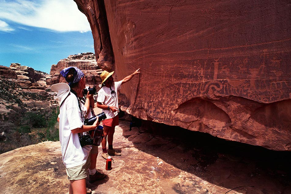 petroglyph-panel-1-southwest-photo-expedition