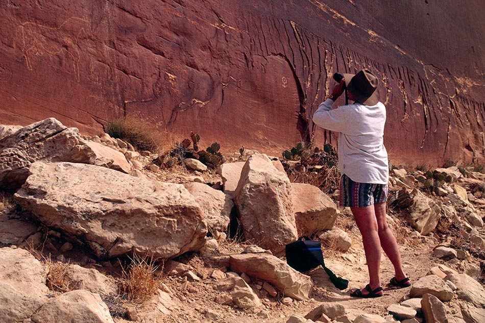 petroglyphs-butler-wash-southwest-photo-expedition